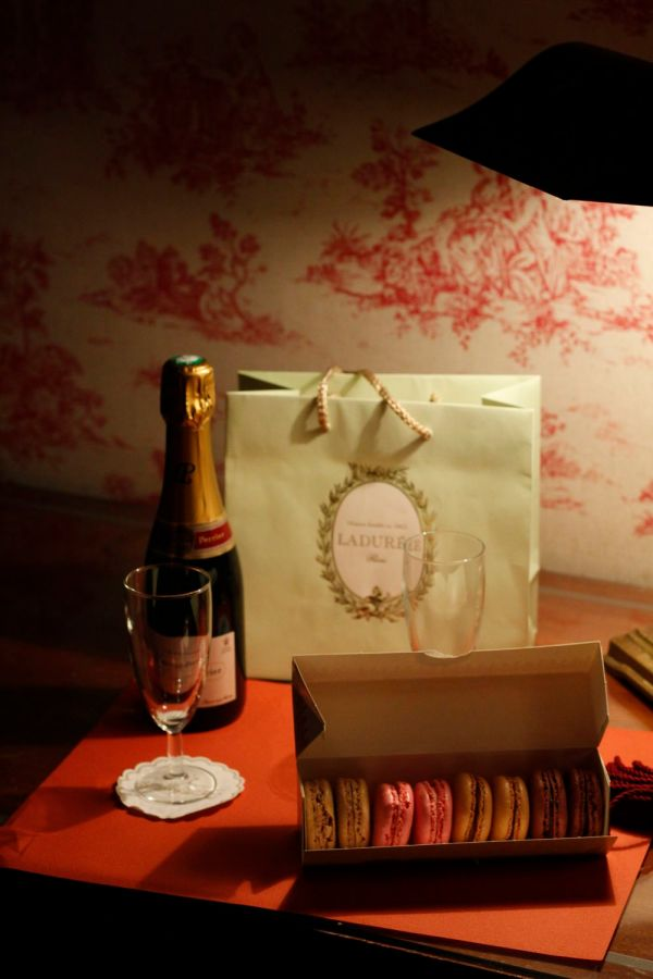 Mmmm..... Slightly pretentiously arrayed champagne and macarons. We were destined to be food bloggers from this moment!