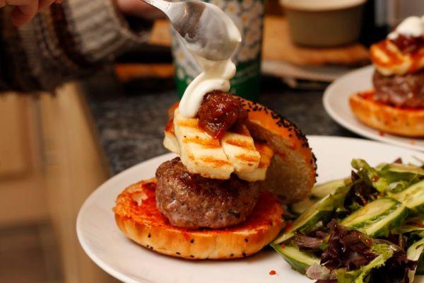 Burger with halloumi and sauce